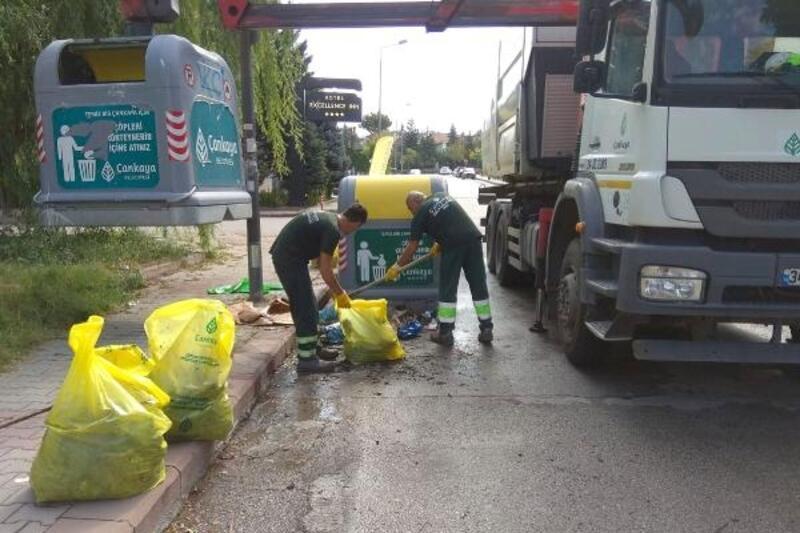 Çankaya'nın temizlik ekipleri çalışmalarını sürdürüyor