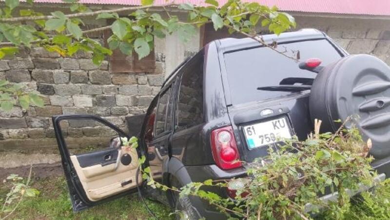 Şarampole devrilen cipin ölen sürücüsü başından vurulmuş