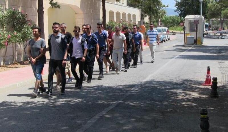 Bodrum'da, Yunan adalarına geçmek isteyen 9 FETÖ şüphelisi yakalandı