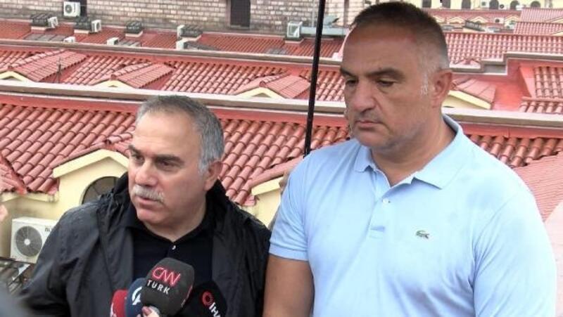 Kültür Bakanı Ersoy, Kapalıçarşı'da açıklama yaptı: Çatıdan herhangi bir sızma olmadı