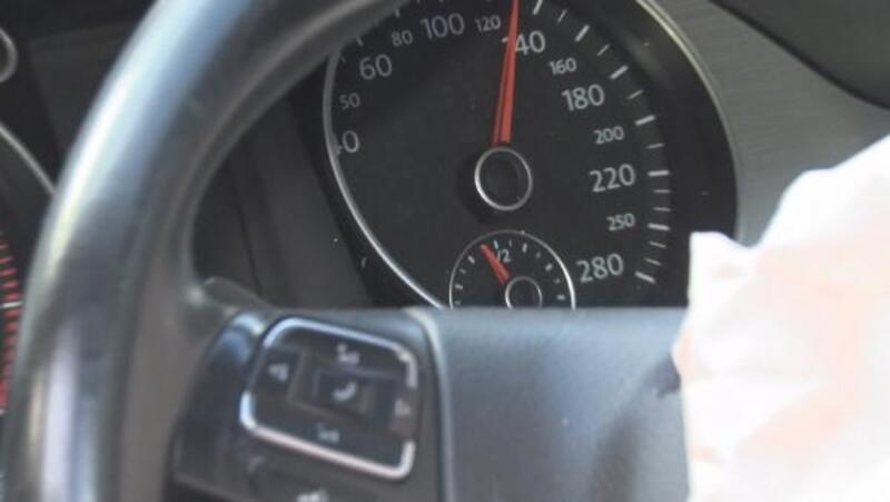 Fatih'te kaza yapan aracın hız ibresi 130 kilometrede takılı kaldı