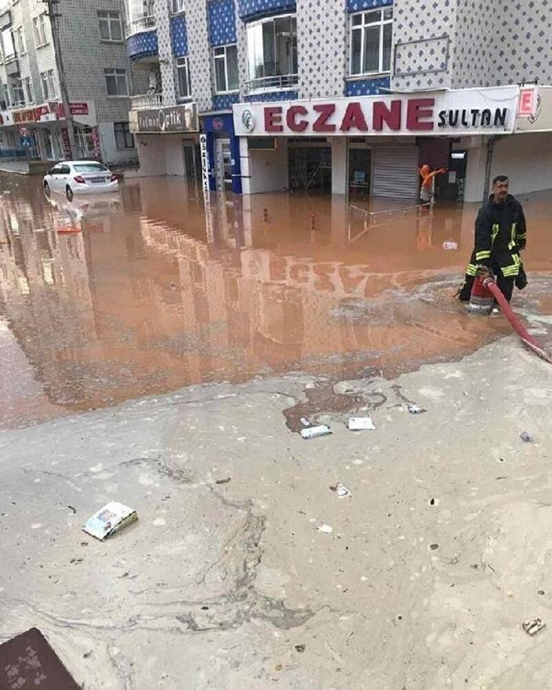 Kırşehir'de dolu ve yağmur etkili oldu
