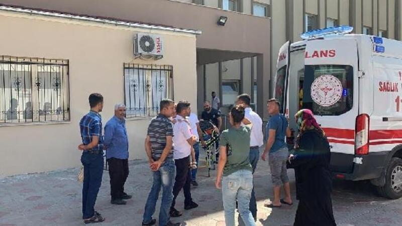 Şarampole devrilen otomobilde aynı aileden 5 kişi yaralandı