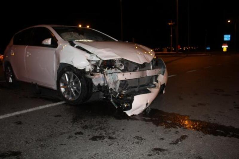 Sivas'ta iki otomobil çarpıştı: 10 yaralı