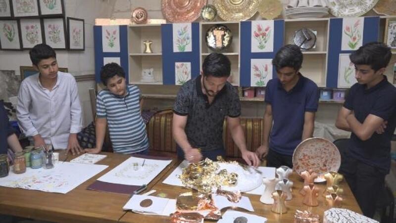 Şanlıurfa'da çinicilik sanatı yaşatılmaya çalışılıyor