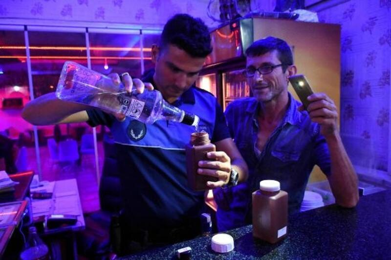 Tarsus'ta içkili mekanlara denetim