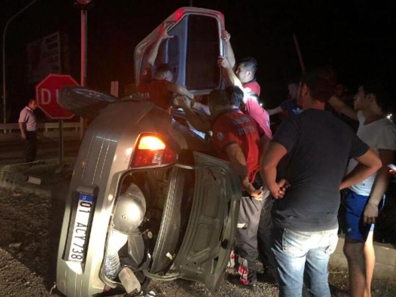 Kontrolden çıkan otomobil refüje çarpıp, devrildi: 1 yaralı