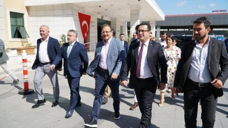 Hakan Çavuşoğlu, Mustafakemalpaşa'da temaslarda bulundu