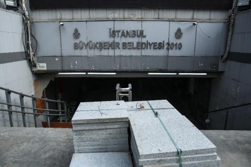 Eminönü'deki alt geçit esnafı:100 bin liralık kredi bize can suyu olur