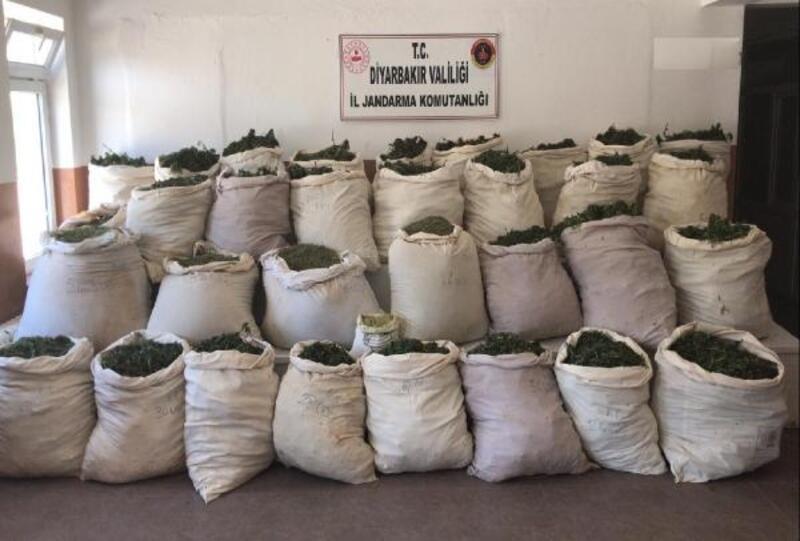 Lice'deki terör operasyonunda 974 kilo esrar ele geçirildi