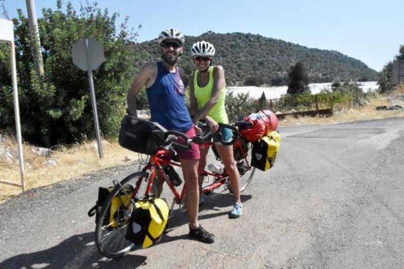 İspanyol arkadaşlar bisikletle Akdeniz ve Ege turunda