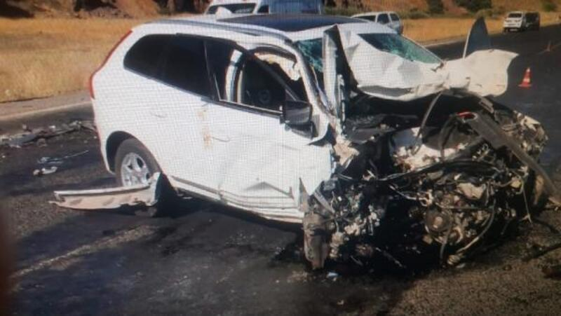 Ağrı'da trafik kazası: 2 ölü, 1 yaralı