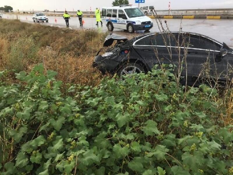 Kırıkkale'de otomobil şarampole devrildi: 1 yaralı