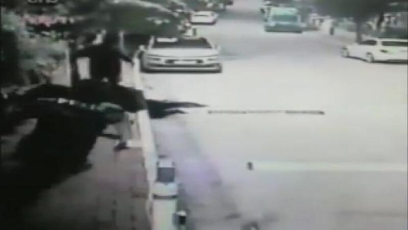 Üsküdar'da hırsız-polis kovalamacası kamerada