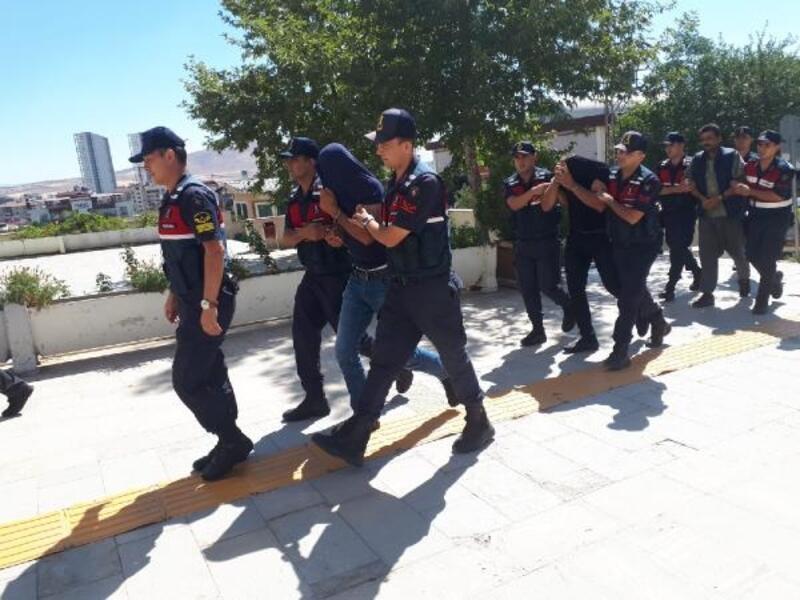 Elazığ'da 3 çocuk annesinin öldürülmesiyle ilgili 2 tutuklama