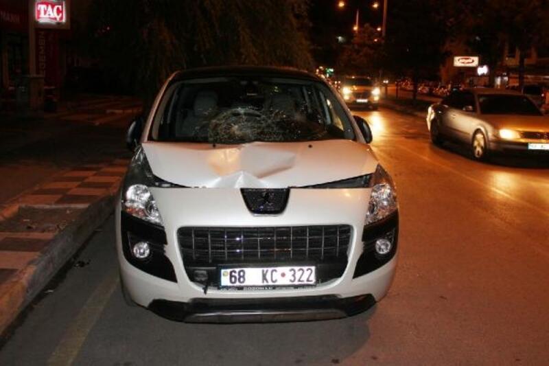 Otomobiliyle çarptığı kadın öldü, polis aracı önünde ağladı