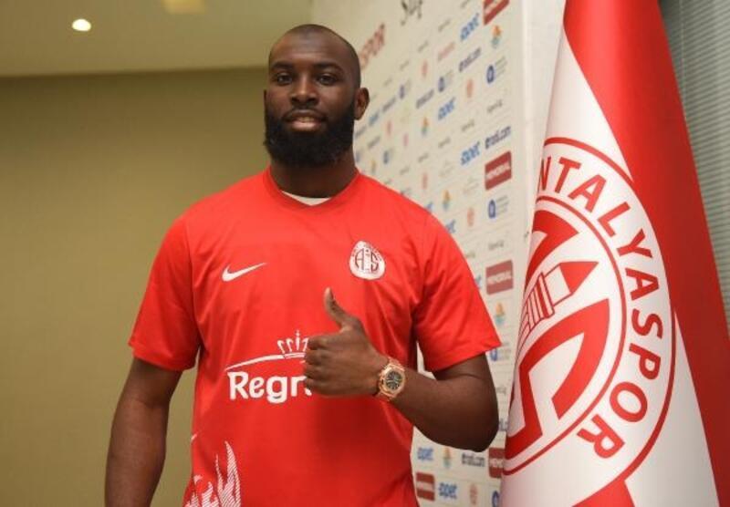 Souleymane Doukara Antalyaspor'dan ayrıldı