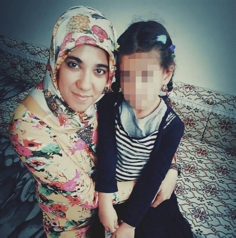 Uzaklaştırma kararı bulunan koca, eşini 20 yerinden bıçaklayıp öldürdü
