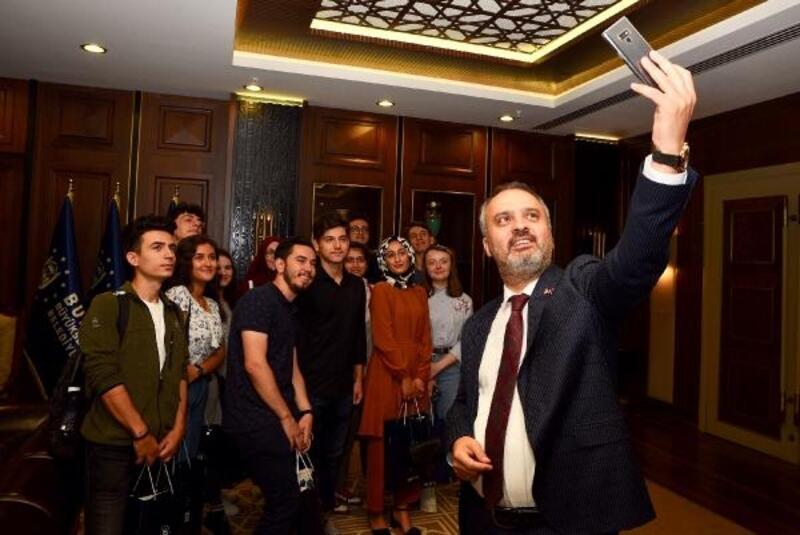 """Öğrencilerden Bursa Büyükşehir Belediyesine """"rehberlik"""" teşekkürü"""