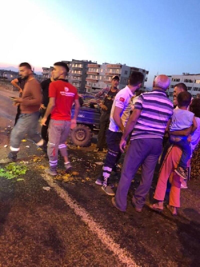 Siirt'te işçileri taşıyan tarım aracı devrildi: 13 yaralı
