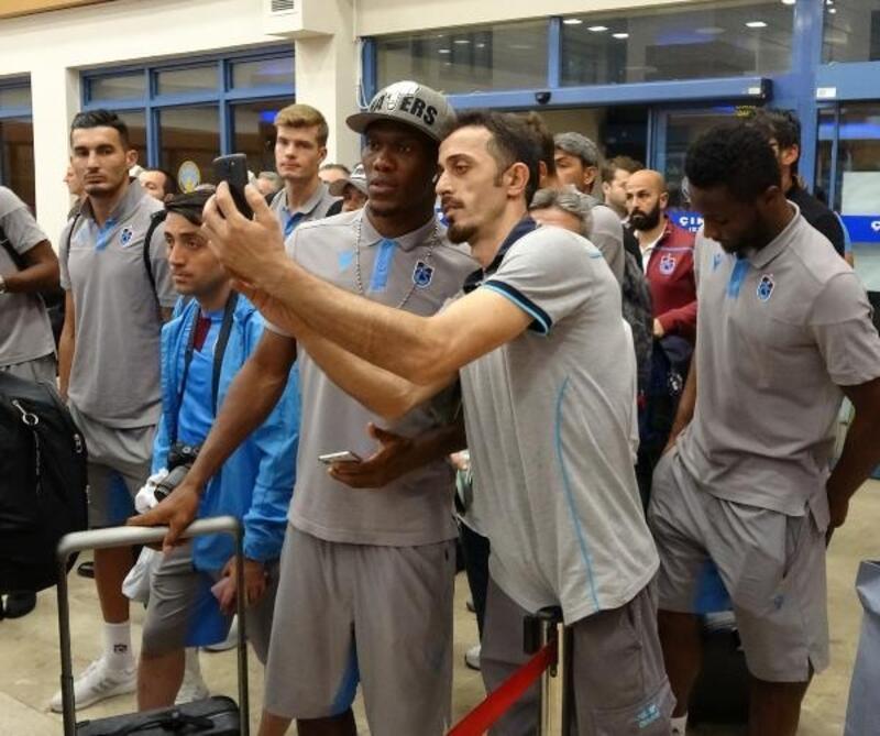 Trabzonspor, AEK maçının ardından yurda döndü