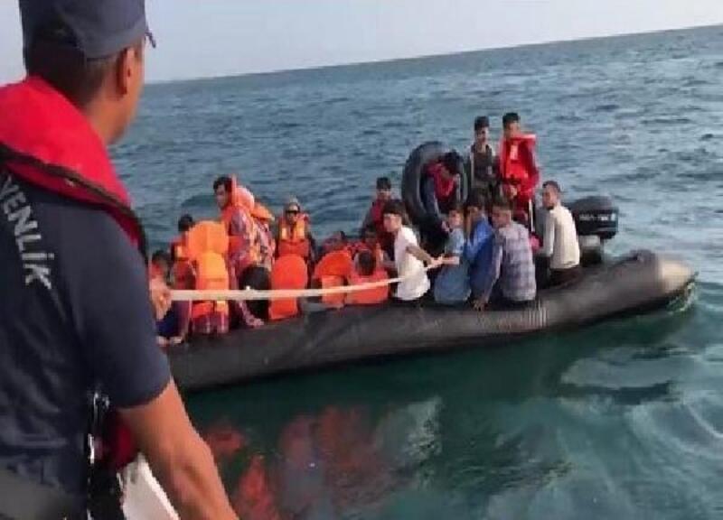 Meriç Nehri'nde lastik bottaki 40 kaçak göçmen yakalandı