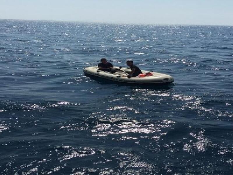 Edirne'de lastik botta 2 kaçak göçmen yakalandı