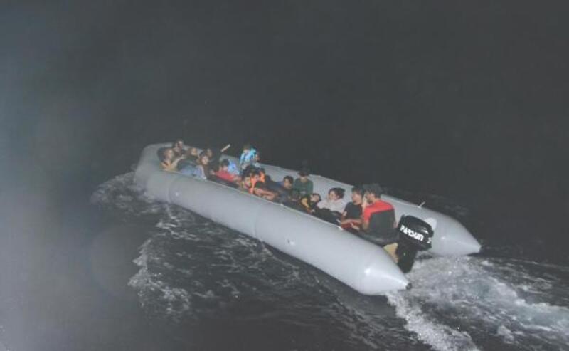 Kuşadası'nda havadan tespit edilen kaçak göçmenler yakalandı