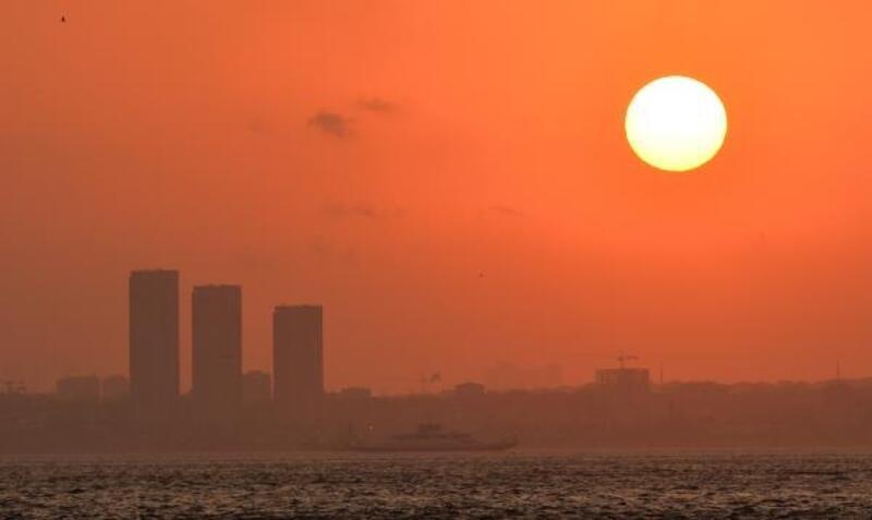 İstanbul'da gün batımı görsel şölen oluşturdu