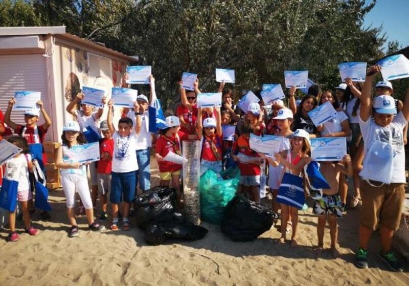 Akkum Plajı'nda temizlik