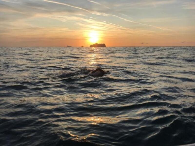 Manş'ı yüzerek geçen Deliveli: Bayrağımızı dalgalandırdım, gurur duydum
