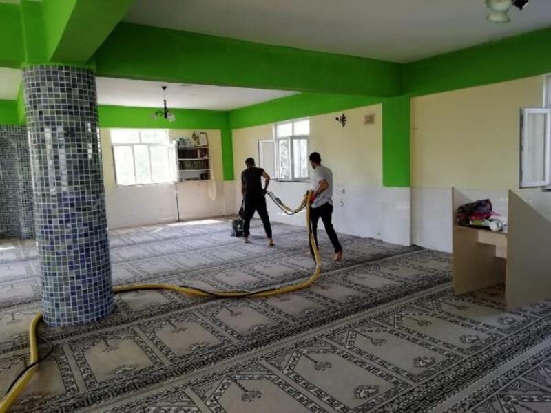 Bağlar Belediyesi, camilerde temizlik başlattı