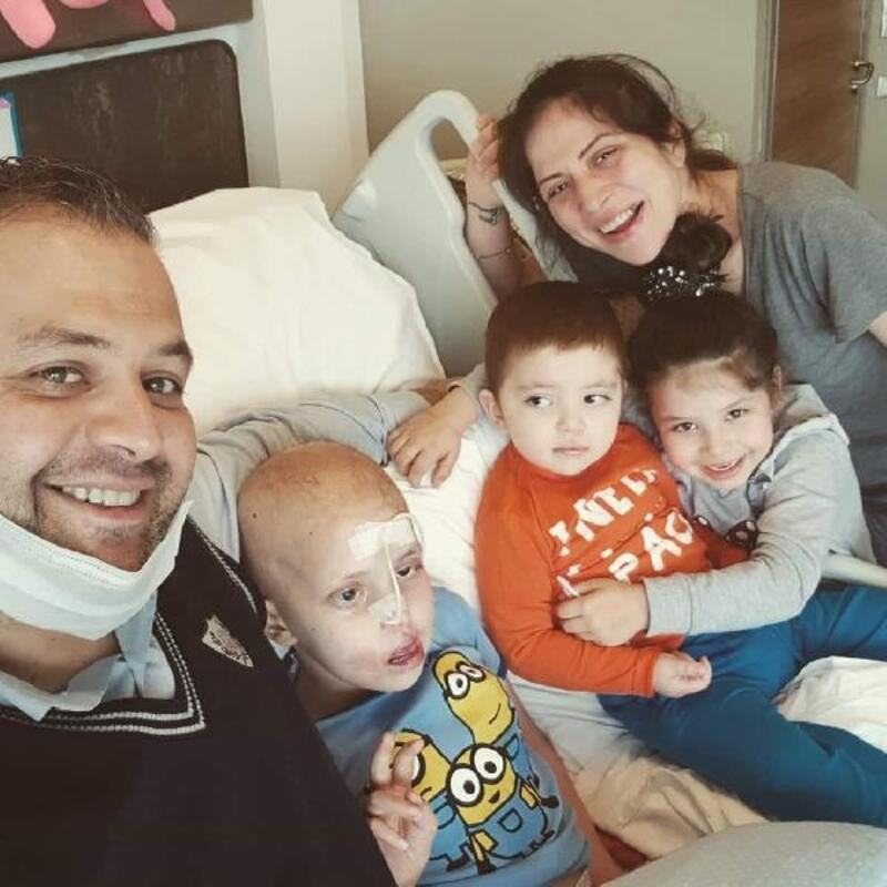 Oğlunu kanserden kaybetti, tümöre karşı savaşı bırakmadı