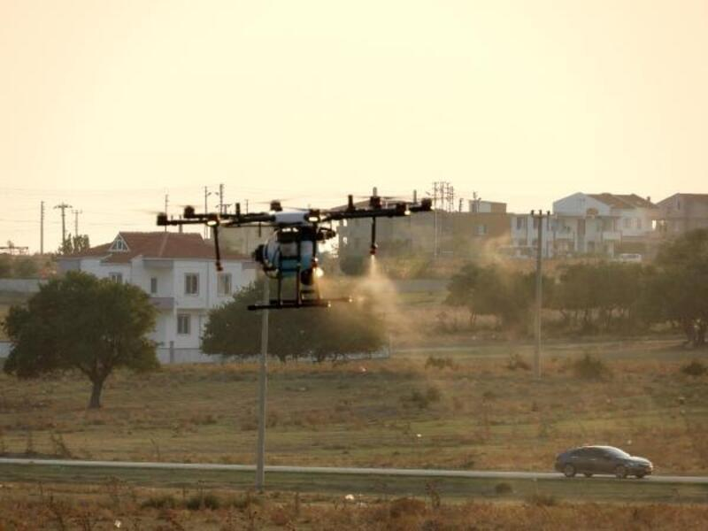 Enez'de drone ile ilaçlama çalışması