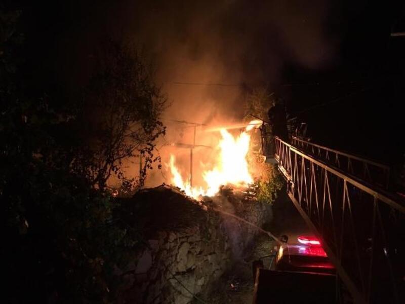 Bucak'ta ev yangını