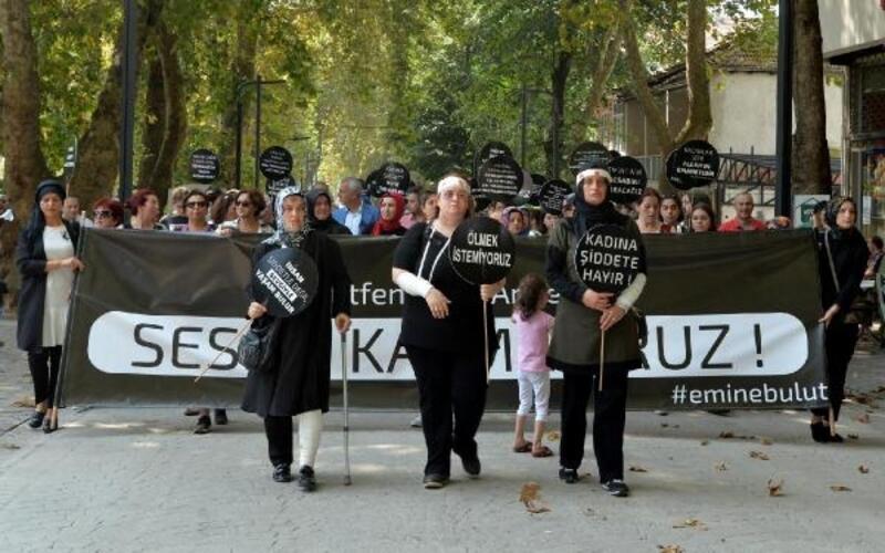 Kadın cinayetleri ve şiddete karşı 'sessiz' yürüyüş
