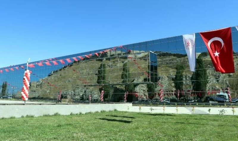 Van'da yeni müze törenle açıldı