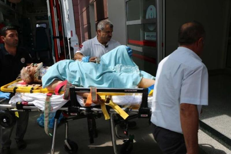 Otomobil, şarampole devrildi: 4 yaralı