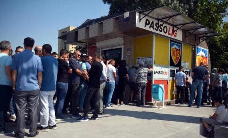 İstikbal Mobilya Kayserispor-Galatasaray maçının biletlerine yoğun ilgi