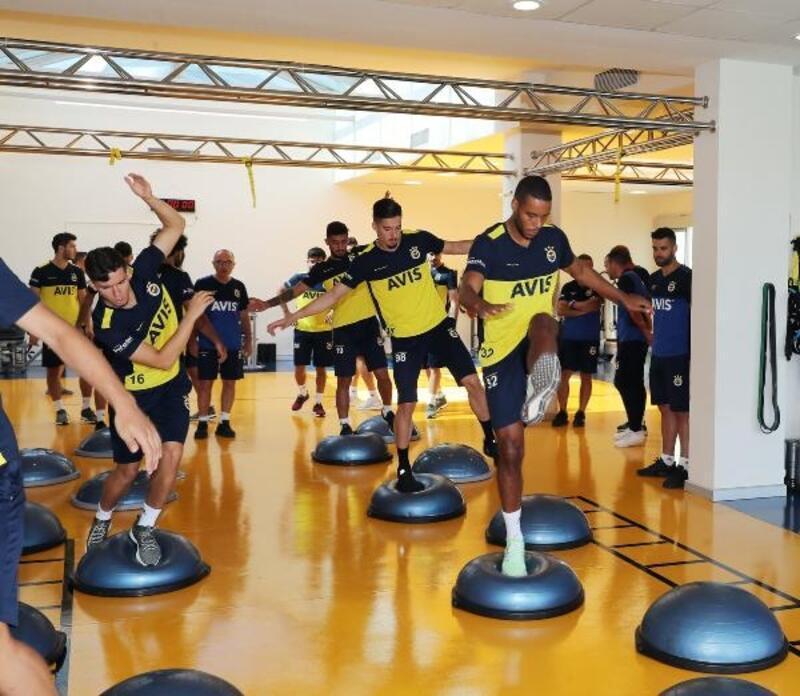 Fenerbahçe'de Trabzonspor maçı hazırlıkları devam ediyor