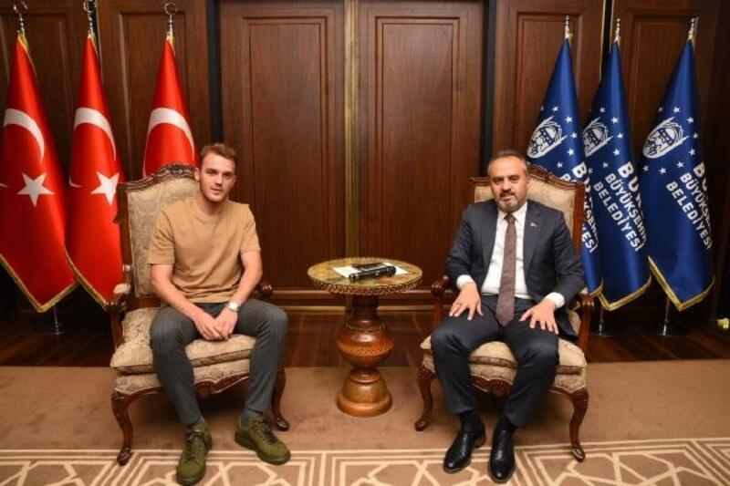 Le Havre'ye transfer olan Ertuğrul Ersoy'dan Başkan Aktaş'a veda ziyareti