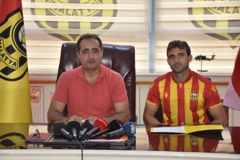 Yeni Malatyaspor, Sakıb Aytaç'ı renklerine bağladı