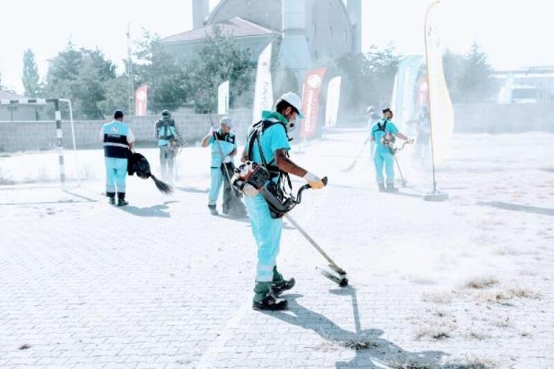 Kocasinan Belediyesi'nden okullarda temizlik çalışması