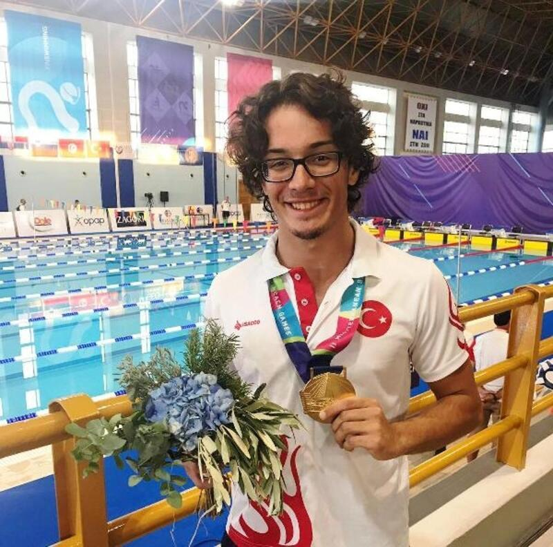 Milli yüzücü Tuğcan Kaytar'dan altın madalya