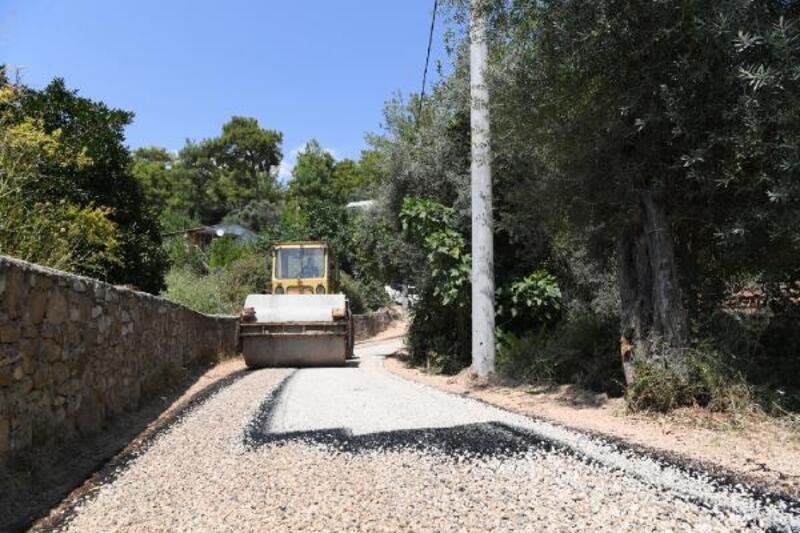 Konyaaltı'nda asfalt çalışmaları
