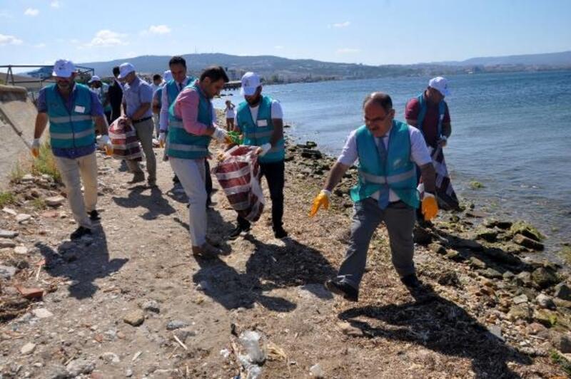 Çanakkale'de yükümlüler Anadolu Hamidiye Tabyaları'nda temizlik yaptı