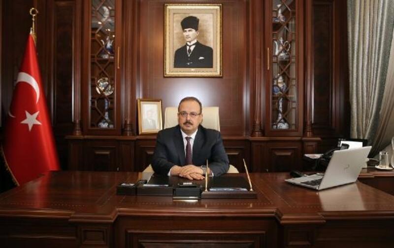 Bursa Valisi Canbolat'tan 30 Ağustos Zafer Bayramı mesajı