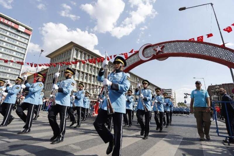 Ankara'da '30 Ağustos Kortej Yürüyüşü'