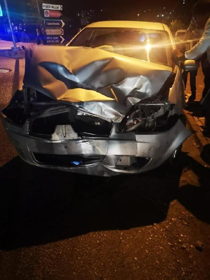 Bilecik'te 2 otomobil çarpıştı: 7 yaralı