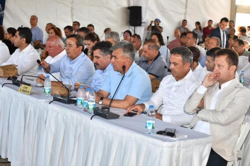 Yangın sonrası ormanların zarar gördüğü bölgede meclis toplantısı yapıldı